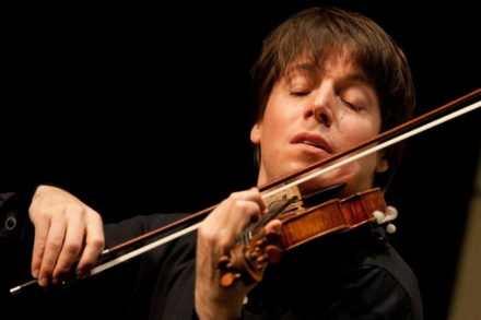 Joshua Bell joue dans le métro