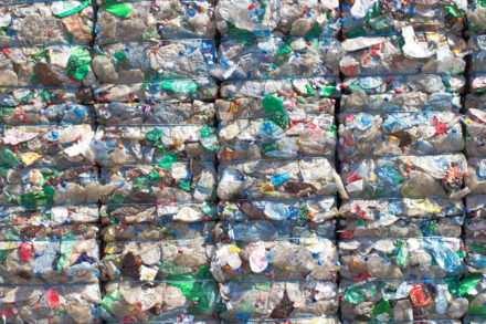 Recyclage des bouteilles plastique