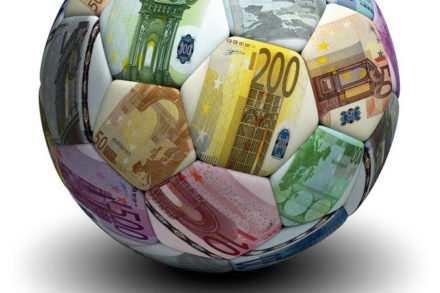 Hollande taxe à 75 % les plus riches